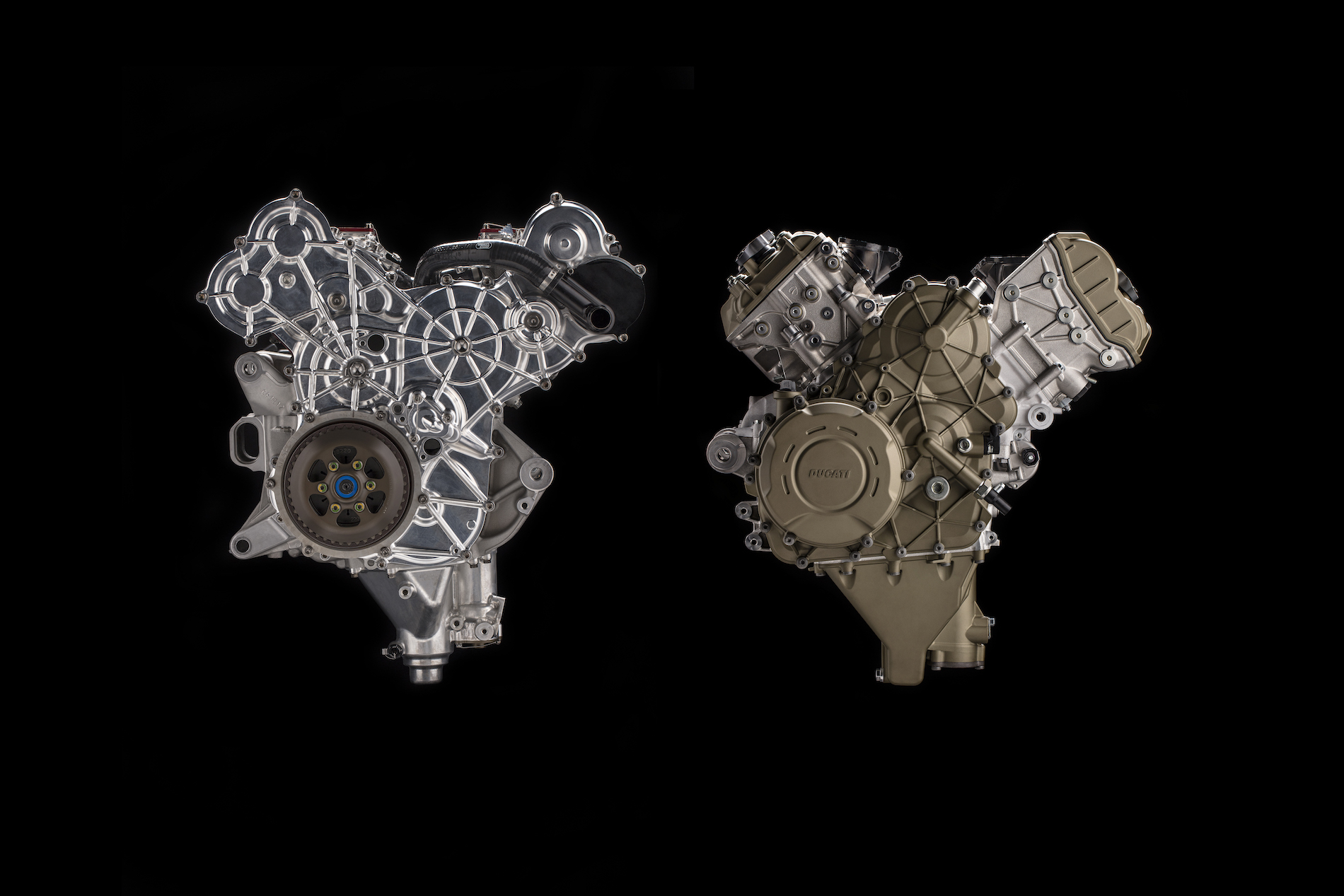 Ducati Desmosedici Stradale, encendido Twin Pulse y 210 cv para el nuevo V4