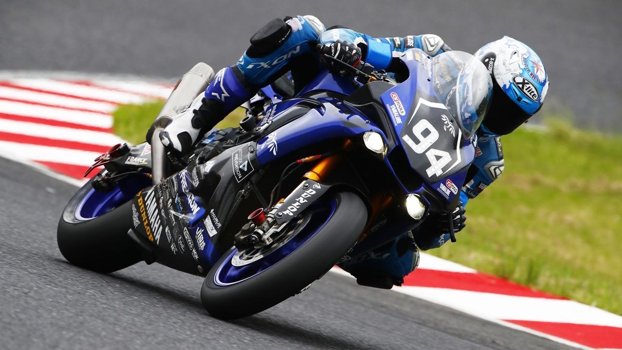 El GMT94 Yamaha de David Checa gana el Bol d'Or y cierra un 2017 inolvidable