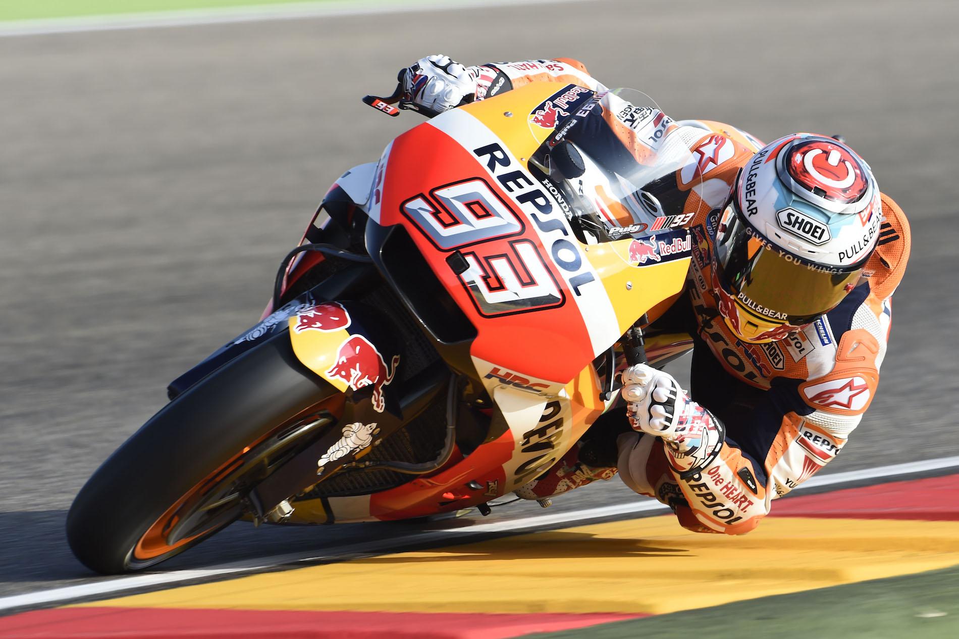 Marc Márquez gana y desempata en Motorland, Jorge Lorenzo vuelve al podio