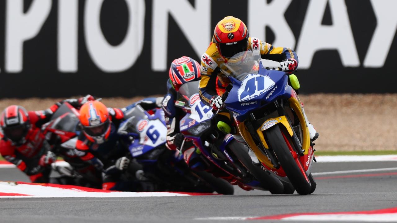 Marc García gana y llegará líder a la cita final del Mundial de Supersport 300