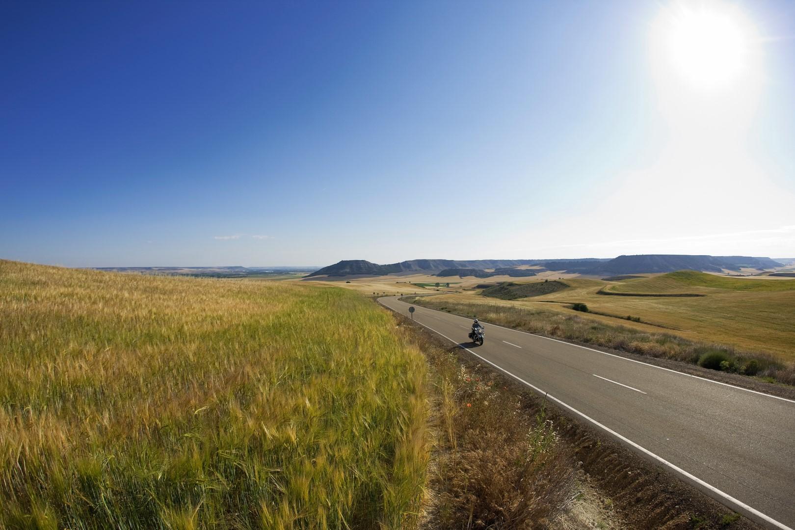 Recorre la provincia de Valladolid en moto