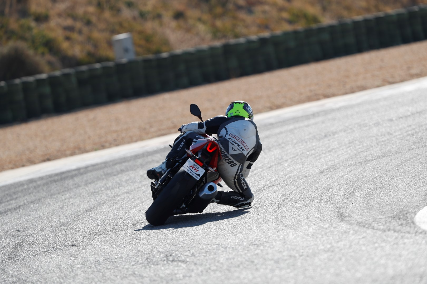 Bridgestone Battlax Racing R11, video