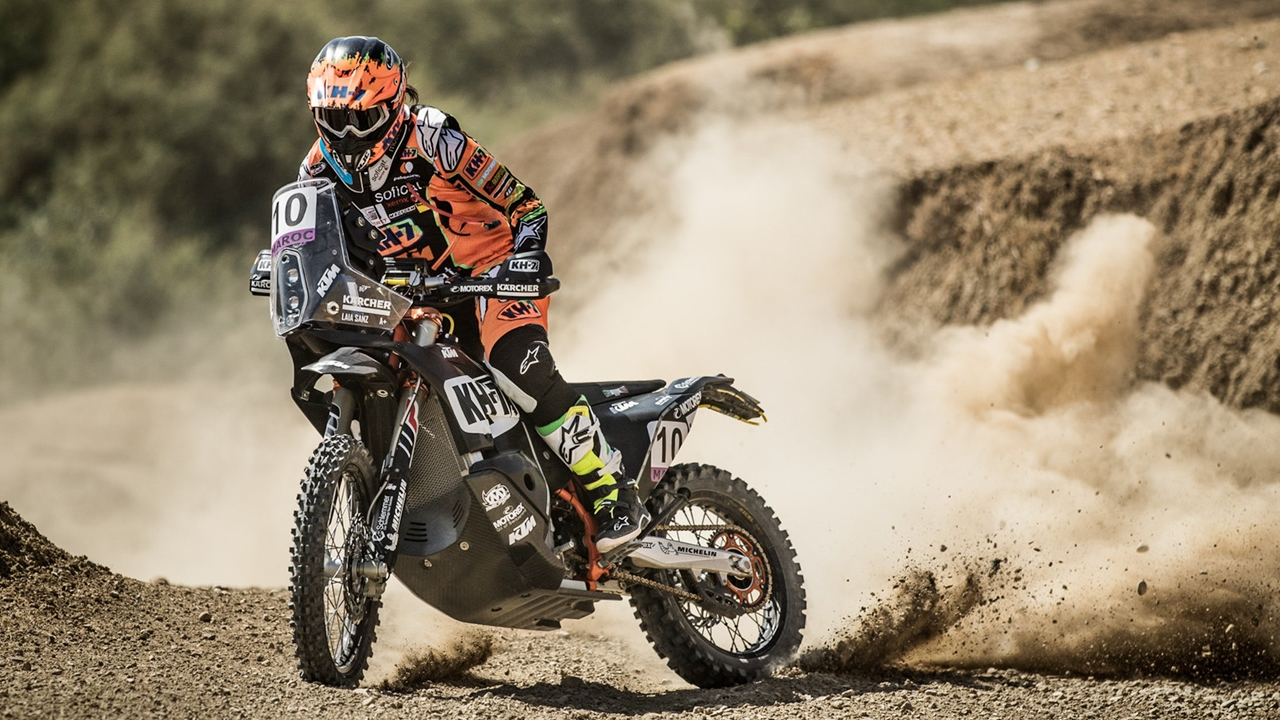 Laia Sanz vuelve a hacer historia en el motociclismo femenino