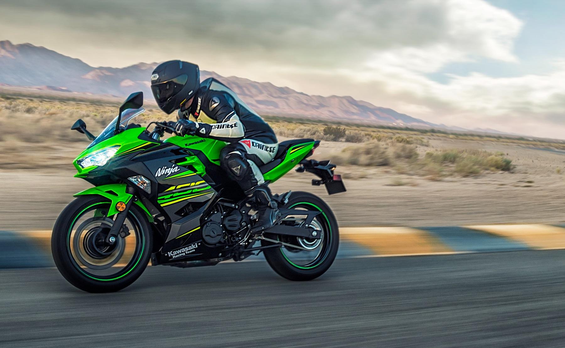 Kawasaki Ninja 400 2018, más deportividad y hasta 50 cv con el Mundial de SSP300 en mente
