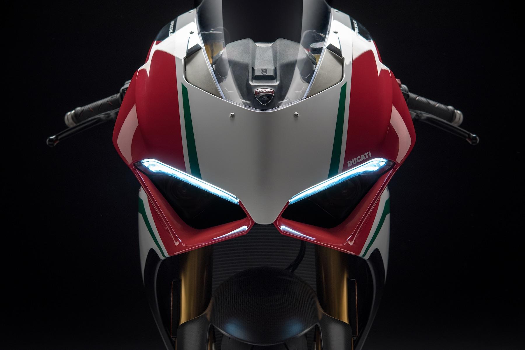 Ducati Panigale V4 Speciale, torrente de sensaciones con 226 CV y 164 Kg