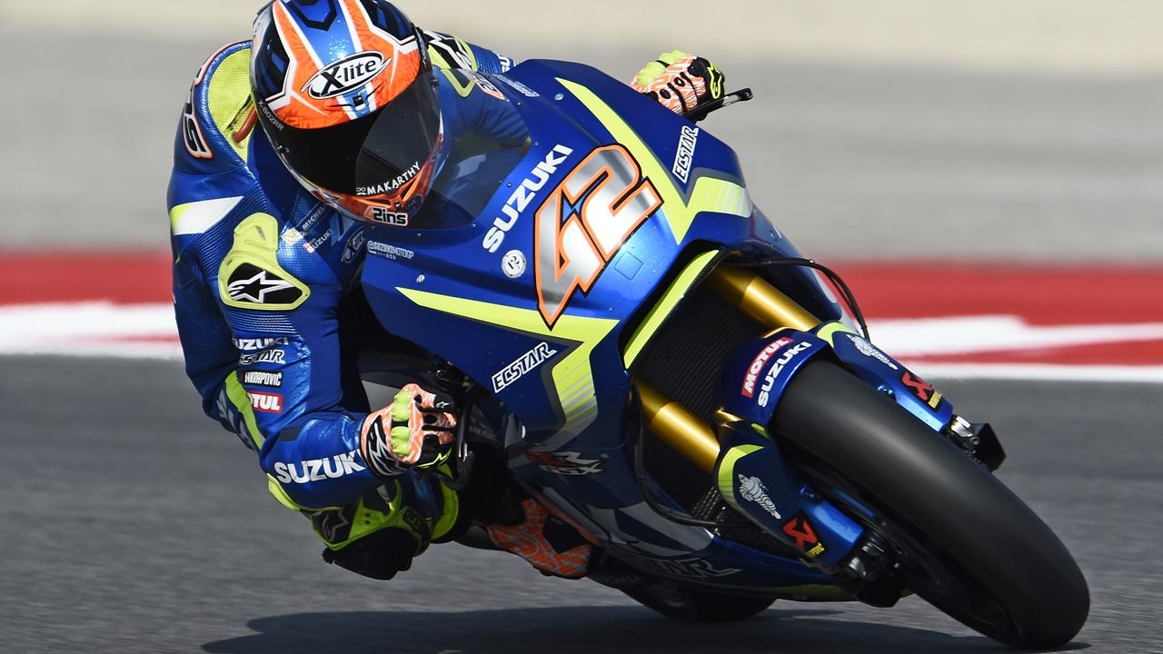 Álex Rins, el benjamín de MotoGP 2017, se vuelve centenario