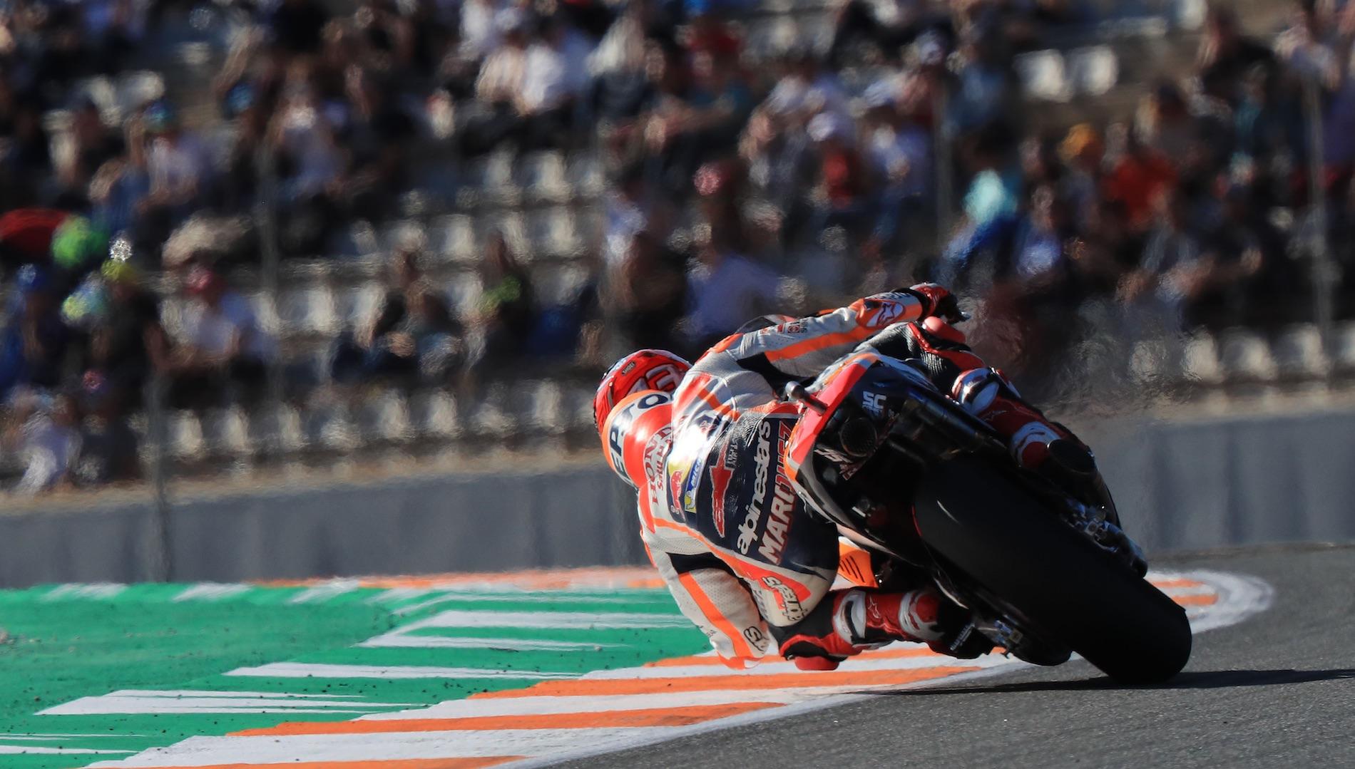 Pole position de Marc Márquez en MotoGP, Andrea Dovizioso en tercera fila