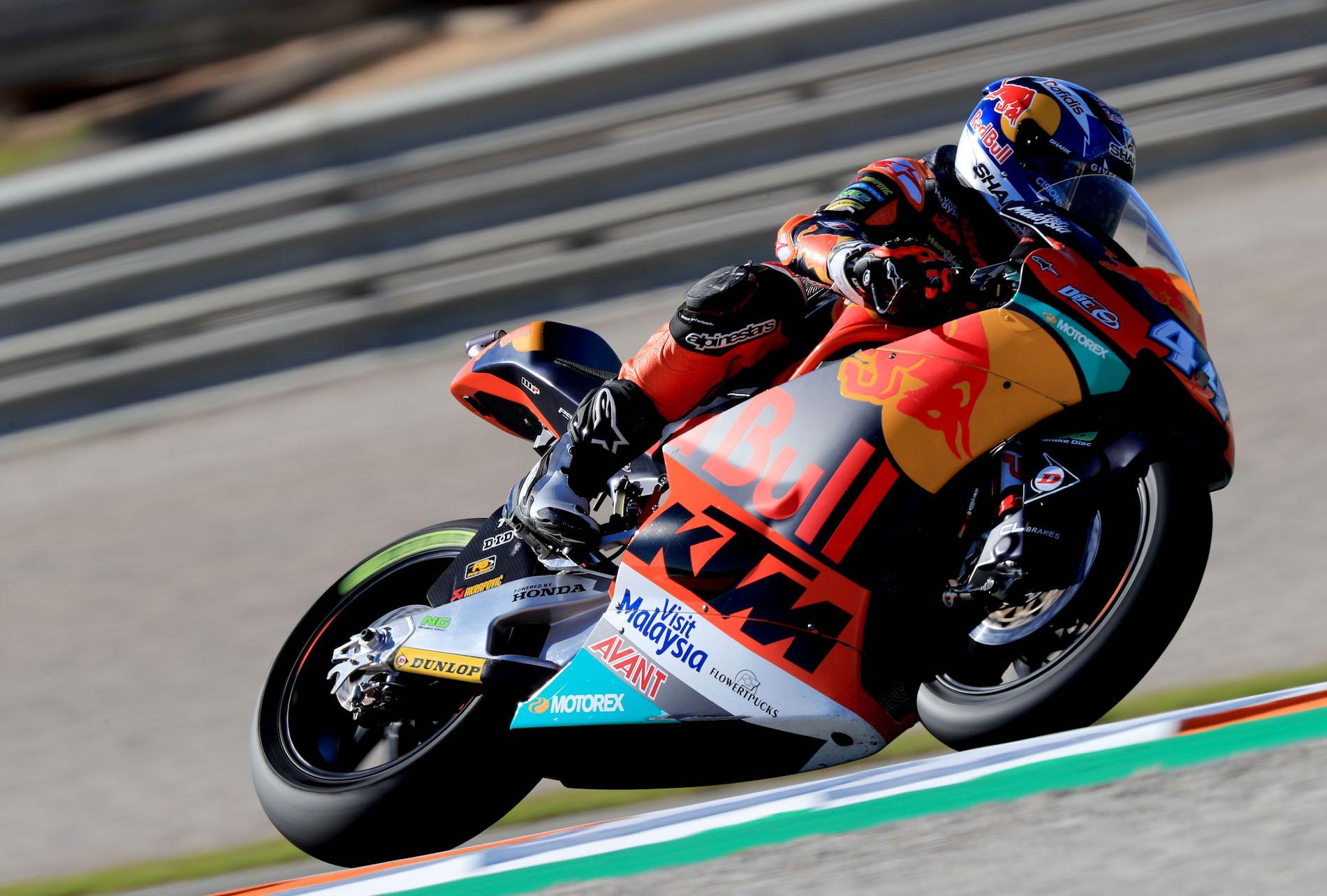 Sólida y trabajada victoria de Miguel Oliveira y KTM en Moto2