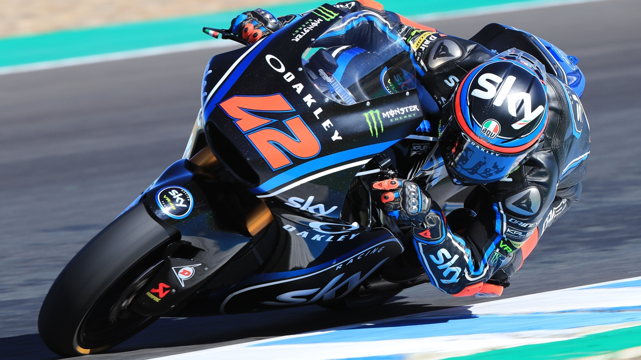 Pecco Bagnaia empieza liderando Moto2 2018 y Joan Mir causa una gran impresión