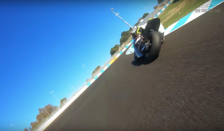 Súbete a la Suter 500 2 tiempos rodando entre Moto2 en Jerez