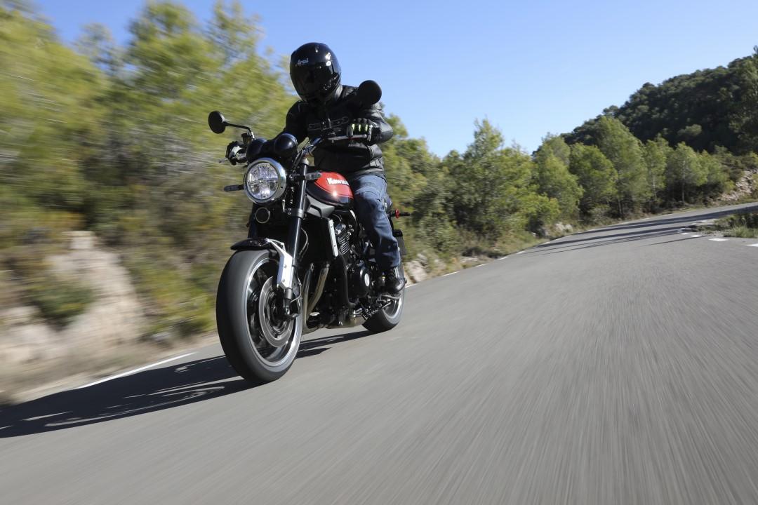 Kawasaki Z900RS, prueba, ficha técnica y primeras impresiones.