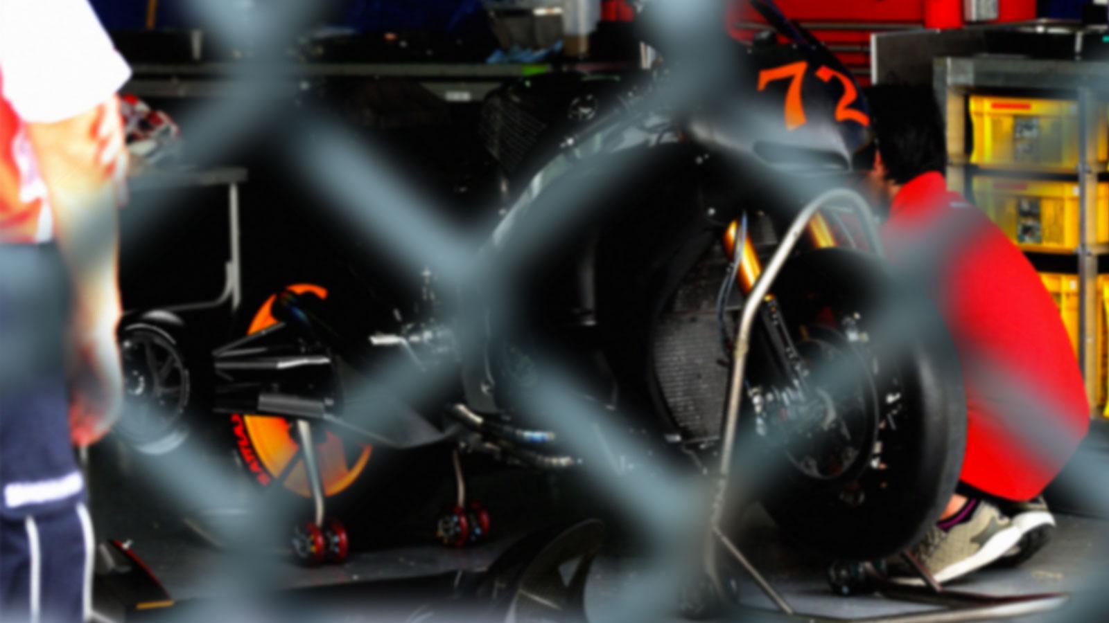 """El nuevo reglamento de MotoGP permite """"ruedecillas"""" traseras [inocentada]"""
