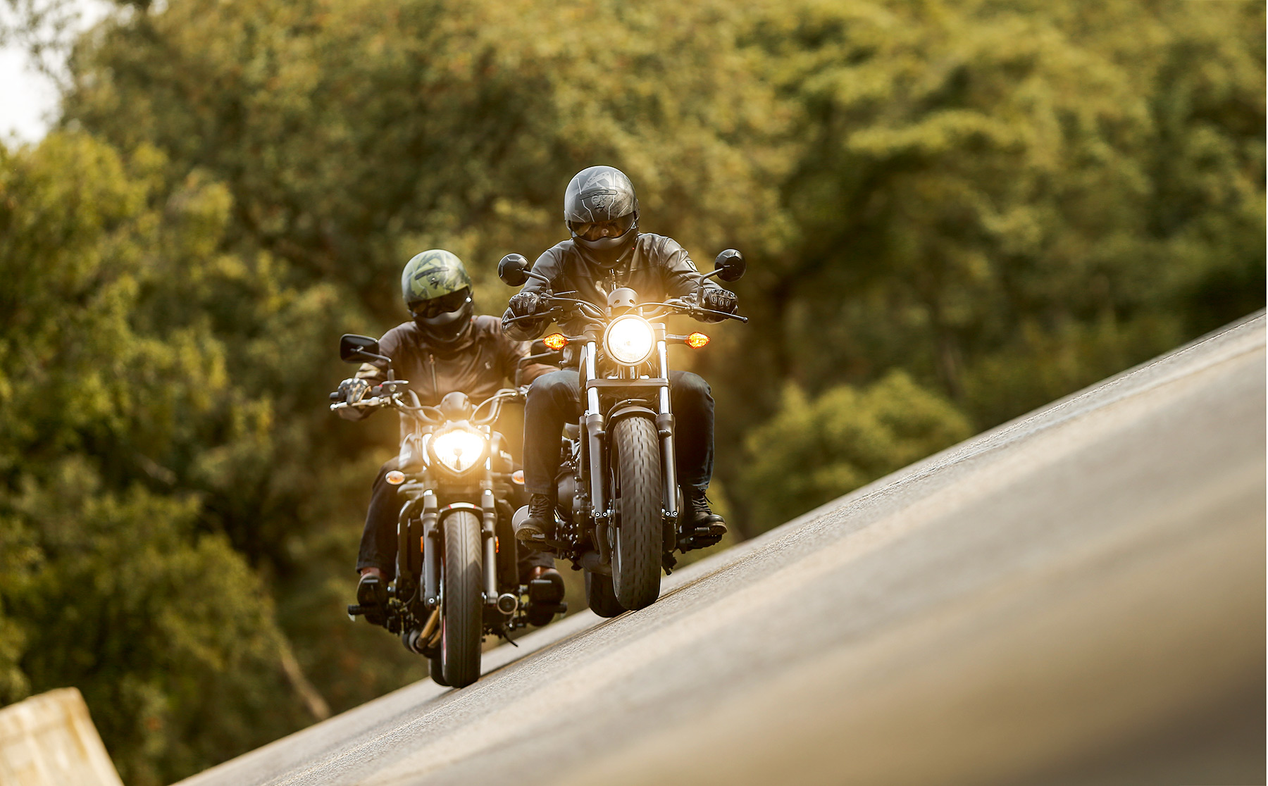 Comparativa custom: Kawasaki Vulcan S vs Honda Rebel