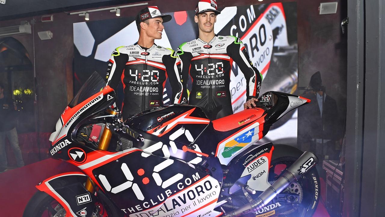 Eric Granado y Stefano Manzi presentan la Suter del Forward Racing para Moto2 2018