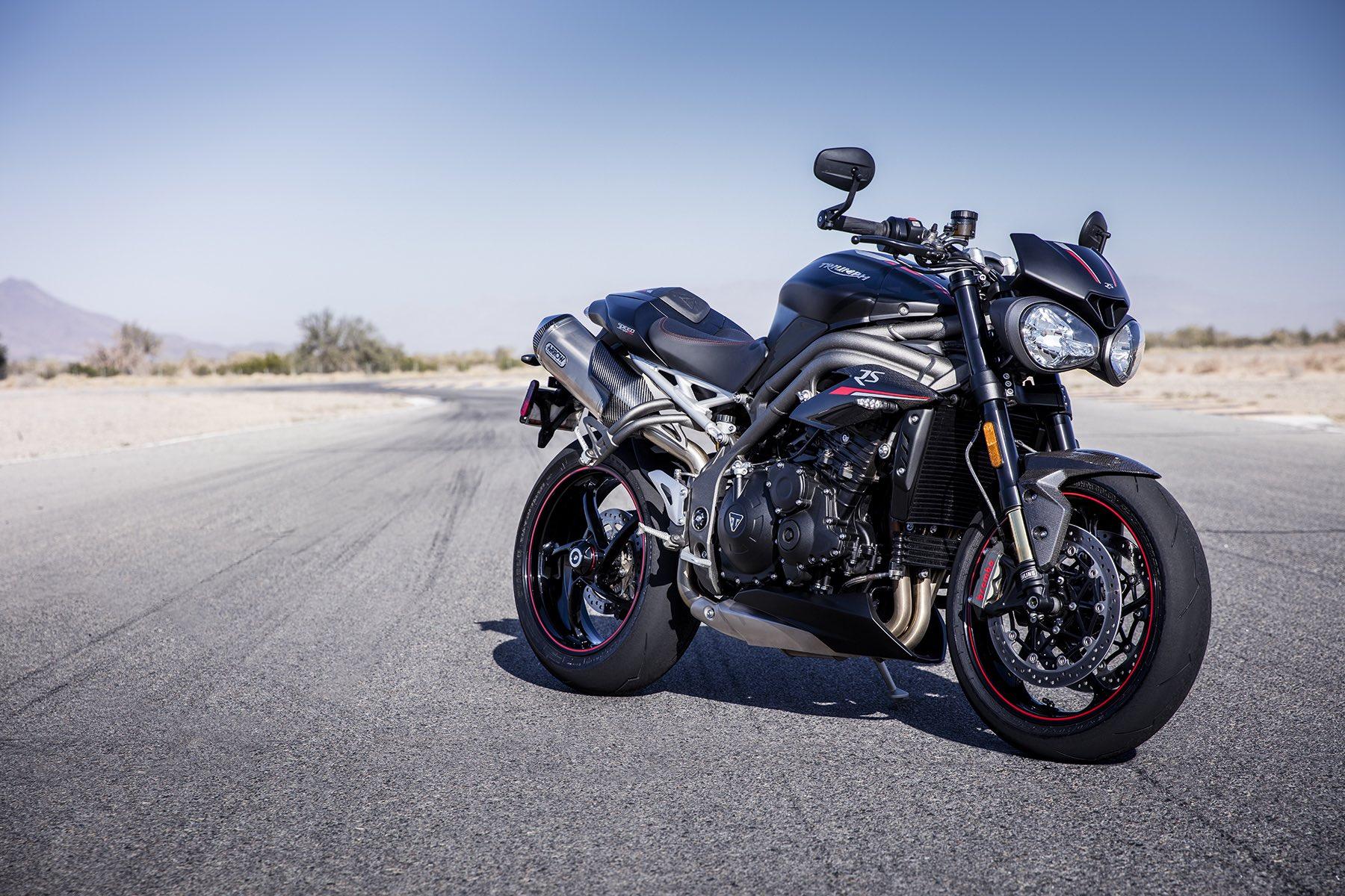 Triumph Speed Triple S y RS 2018, Triumph se suma a la batalla de las grandes nakeds