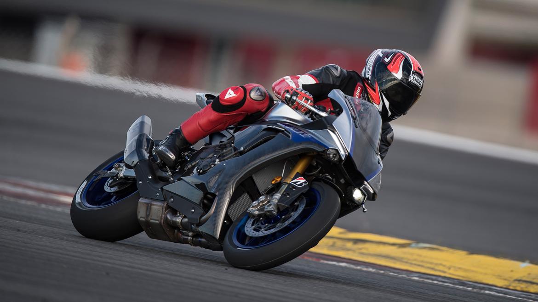 Yamaha YZF-R1M 2018, prueba, ficha técnica y primeras impresiones