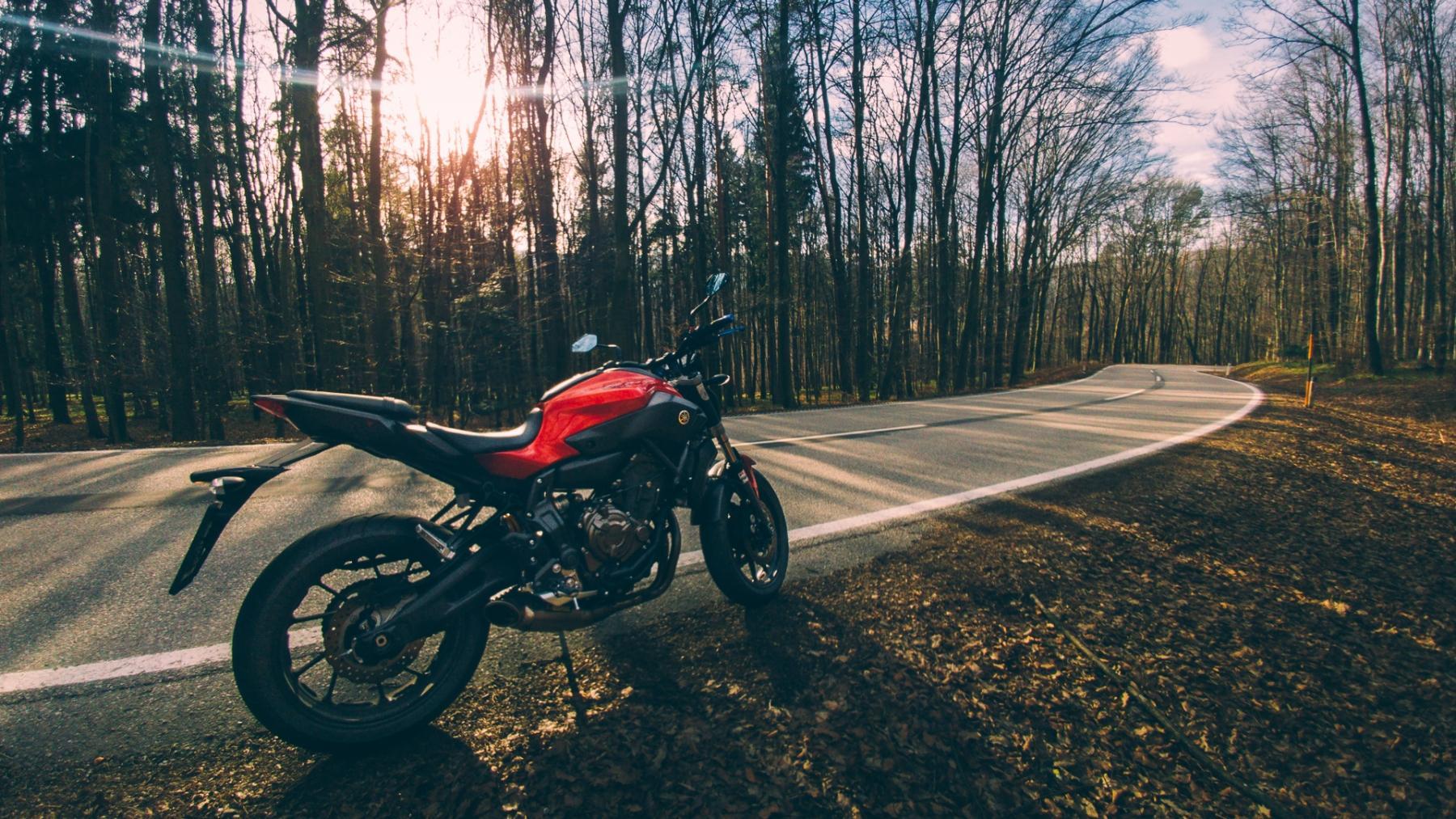 Cómo convertí mi Yamaha MT-07 en una moto redonda