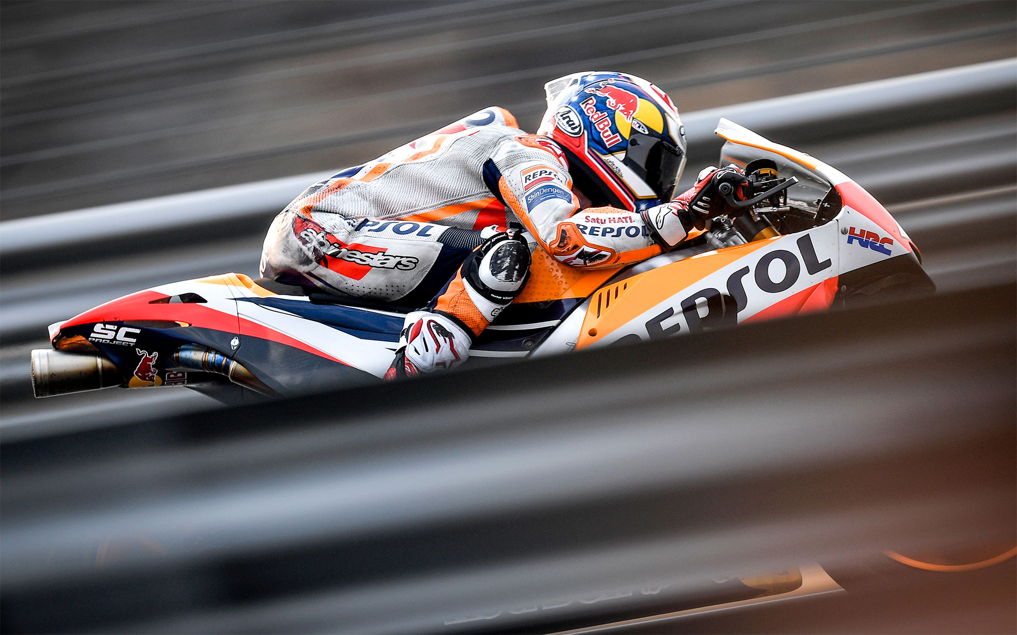 MotoGP 2018: Dani Pedrosa acaba en lo alto y Johann Zarco evita el triplete de Honda
