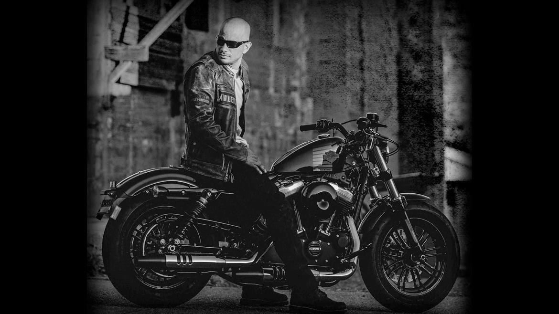 "Cómprate Sportster 1200 y Harley-Davidson te viste de ""harlista"""