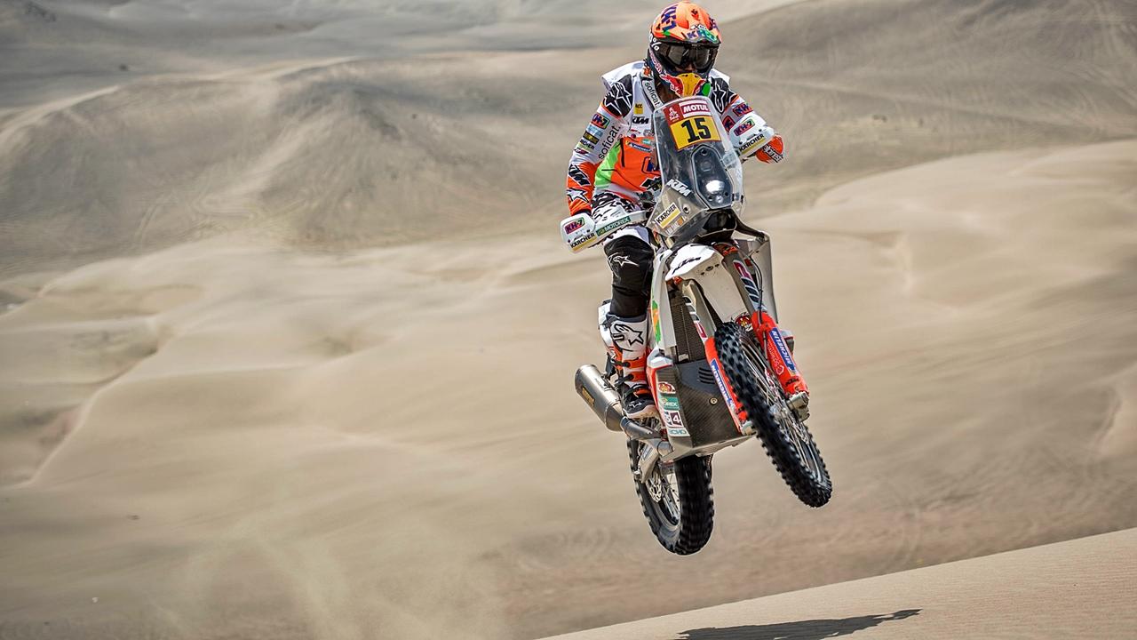 Laia Sanz renueva con KTM hasta 2020 con el Dakar como objetivo principal