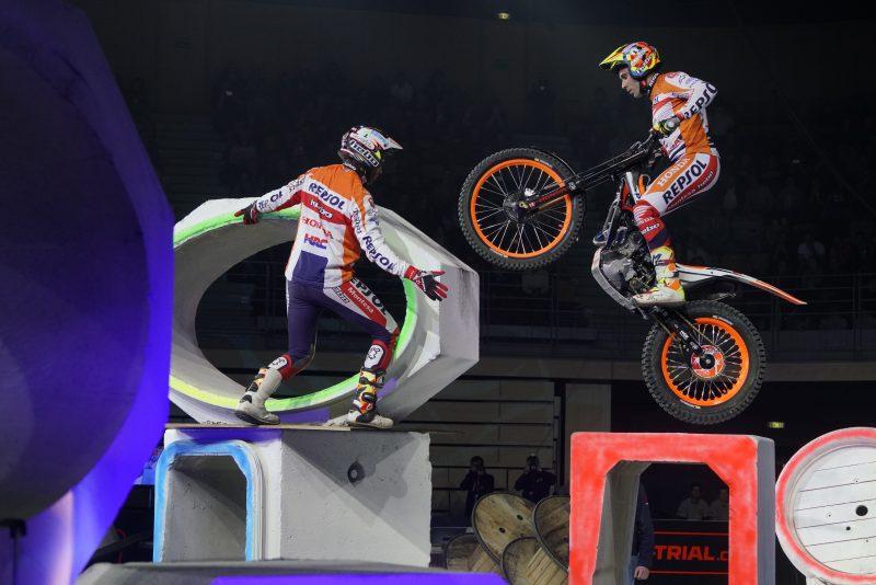 Toni Bou regresa a la competición en París, superada su lesión