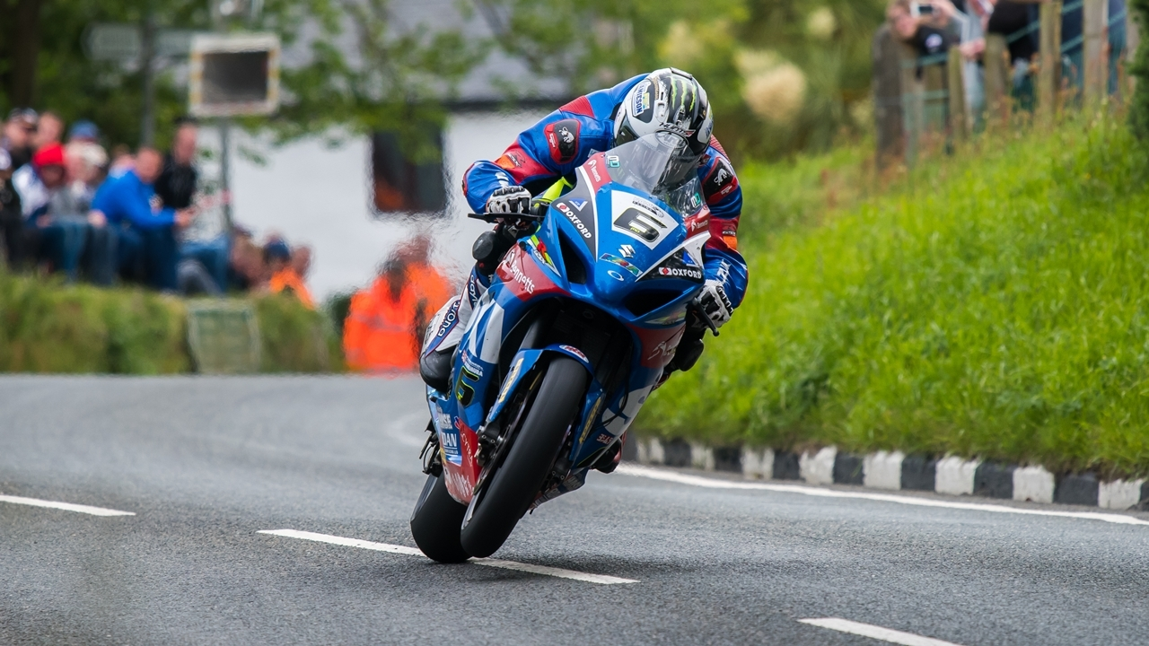 Michael Dunlop, temporalmente sin equipo para SBK y Senior del Tourist Trophy
