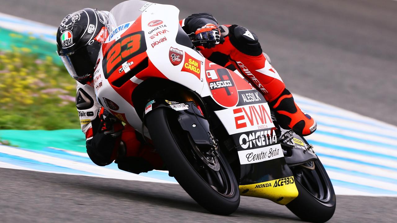 Niccolò Antonelli hace la pole de Moto3 en Qatar por una milésima ante Jorge Martín