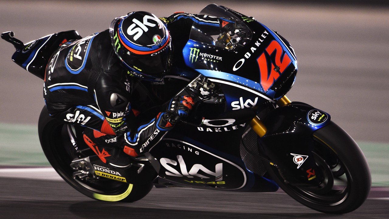 Pecco Bagnaia bate a Lorenzo Baldassarri en Moto2 y Álex Márquez salva el podio en Qatar