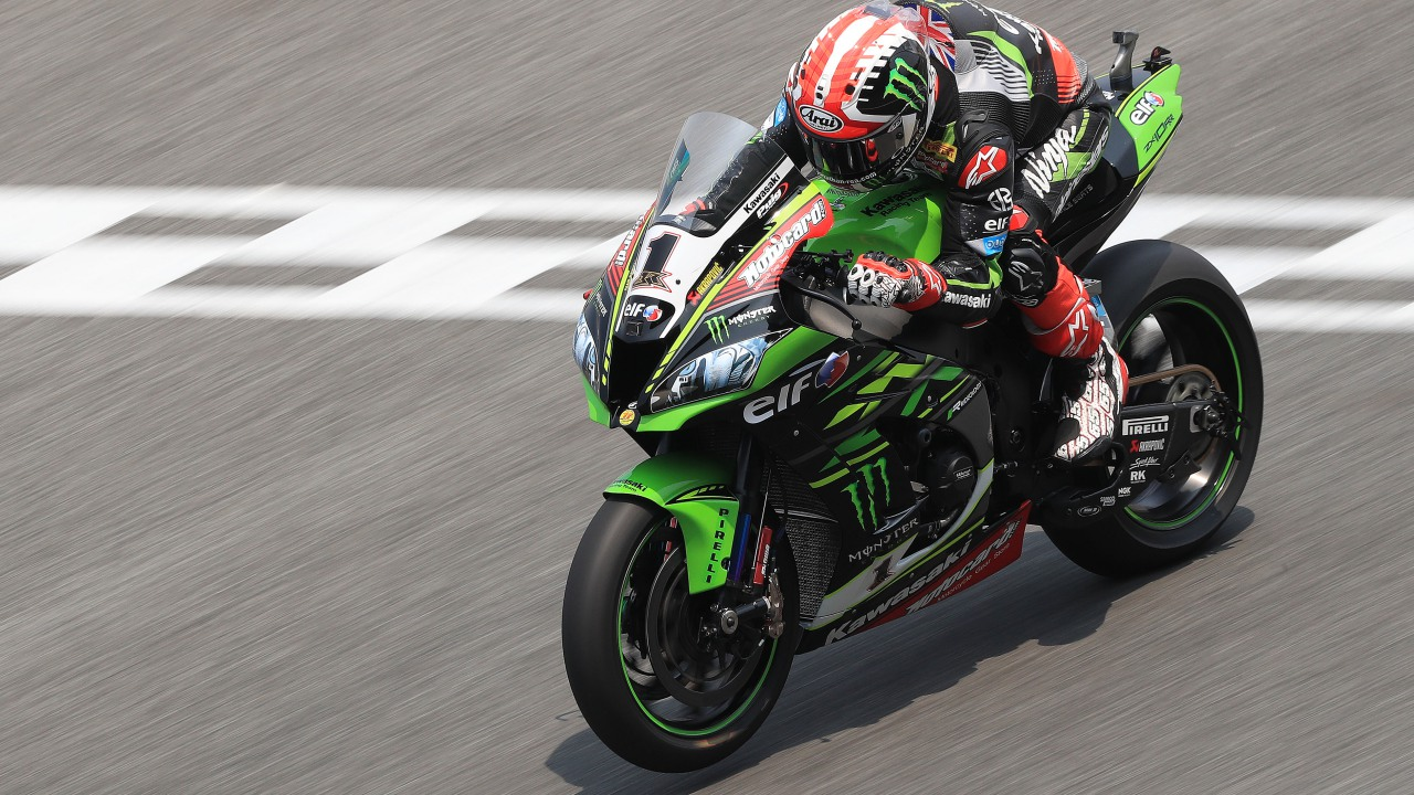 Jonathan Rea lidera en Tailandia con Jordi Torres a milésimas de las Kawasaki