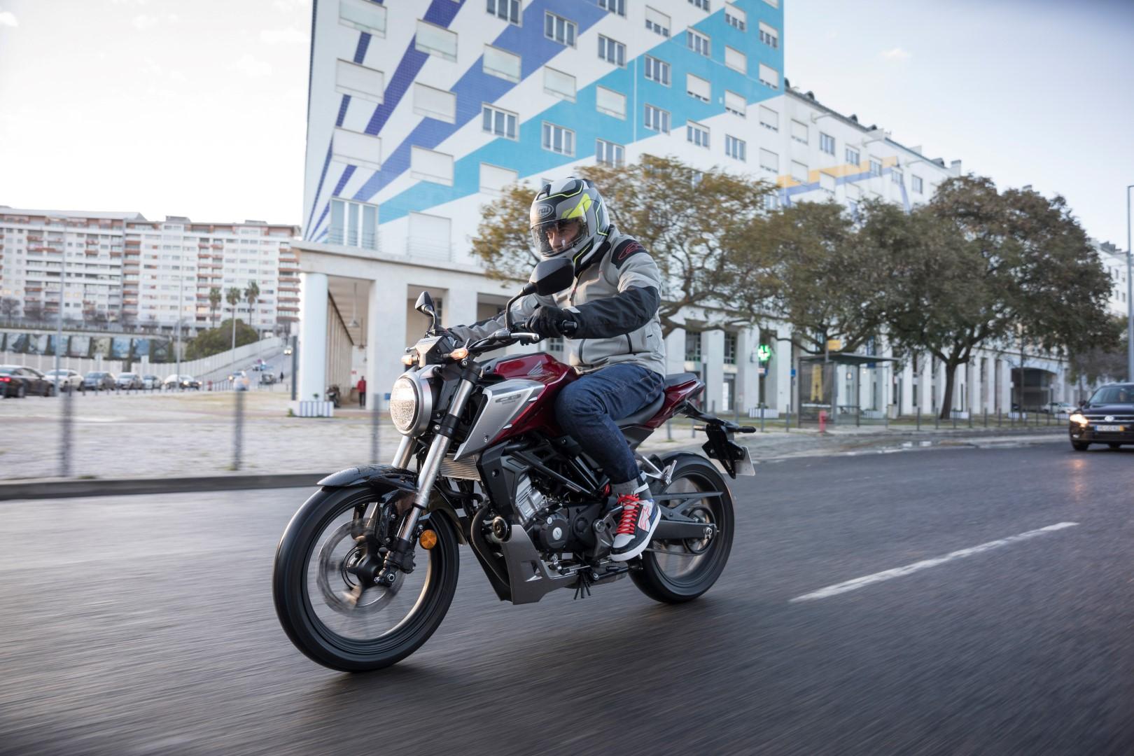 Presentación Honda CB125R. Primeras impresiones, ficha técnica y precio