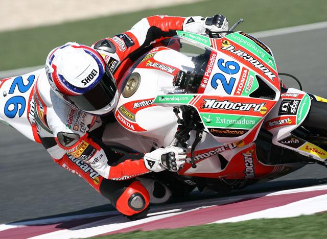 La primera para Parkes (Yamaha). Lascorz (Honda), vencedor moral, segundo.