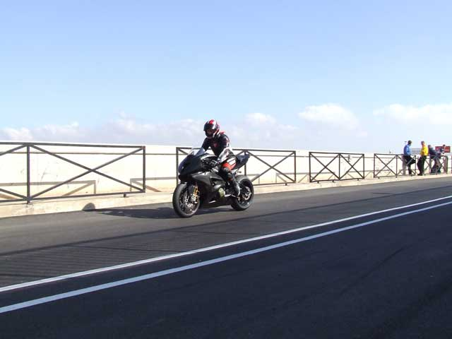BMW desarrolla su Superbike