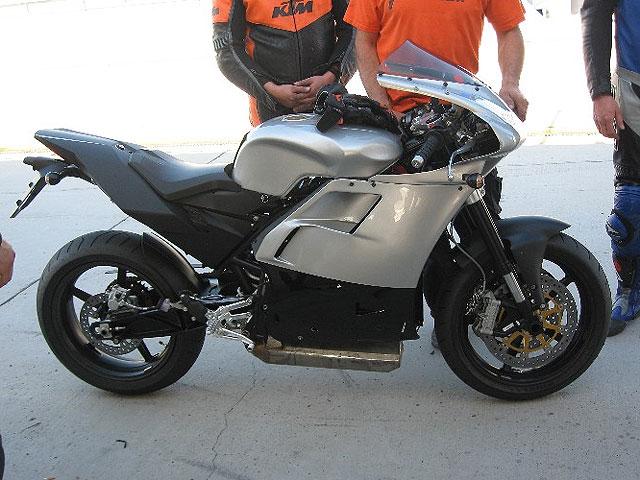 KTM RC4, primeras pruebas en pista