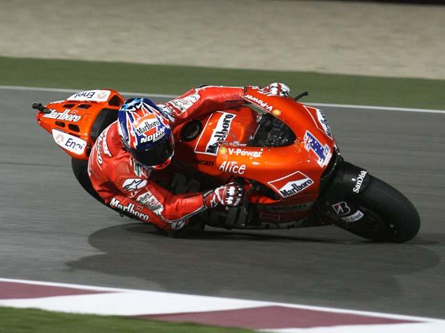 Stoner y Ducati siguen volando en la noche del GP de Qatar