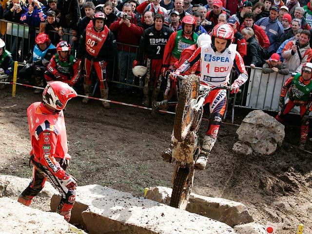 """Toni Bou (Montesa Honda) comienza el trial """"outdoor"""" ganando"""