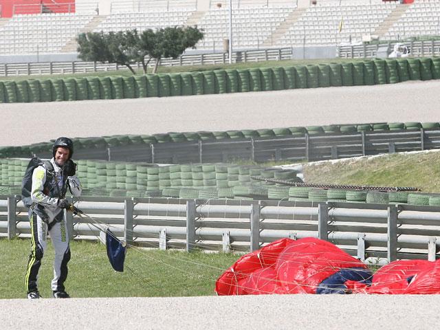 Carlos Checa llega volando al Ricardo Tormo
