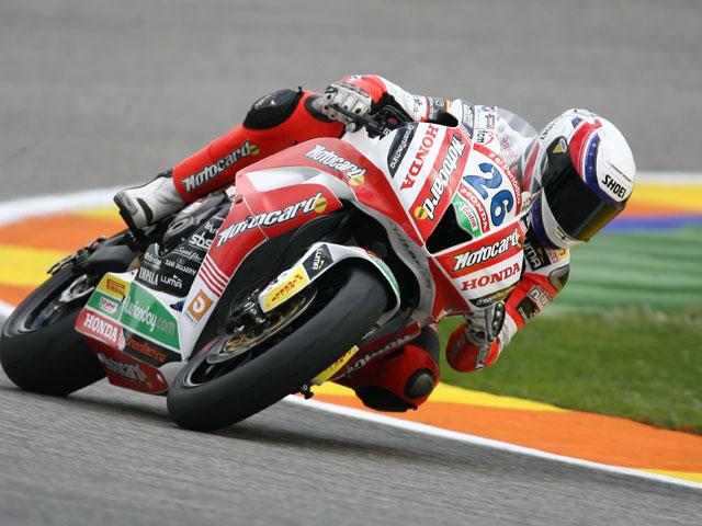 «Jumbo» Lascorz (Honda) sobrevuela el Circuit y gana en Supersport