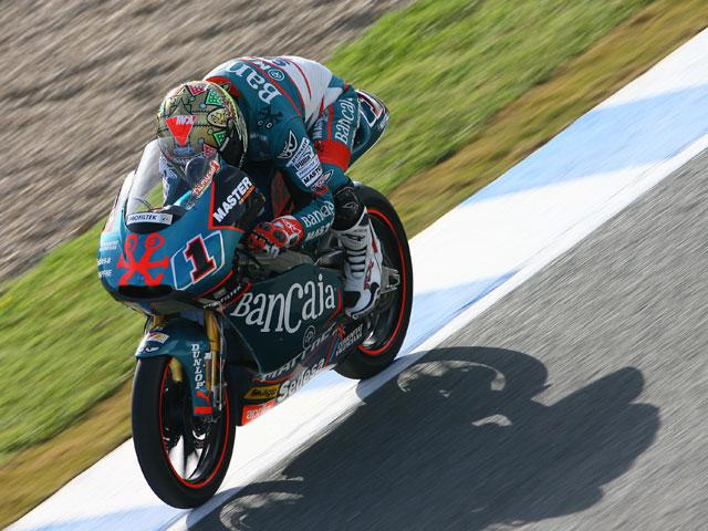 Pablo Nieto (KTM) tercero y Talmacsi (Aprilia) primero en los primeros libres