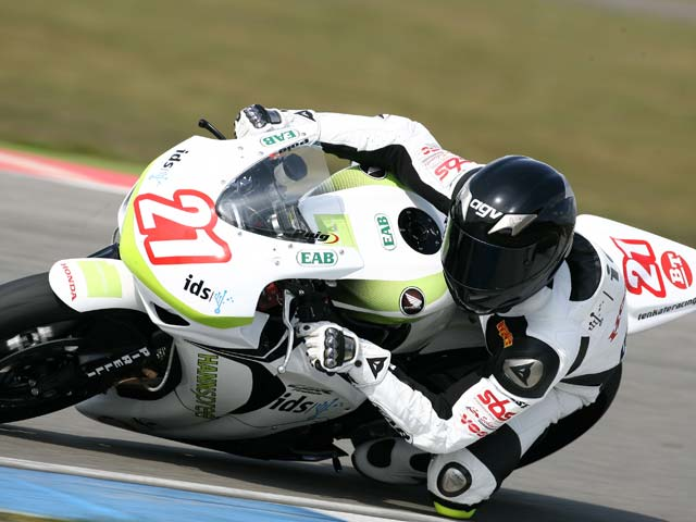 Berger (Honda) y Linfoot (Yamaha)