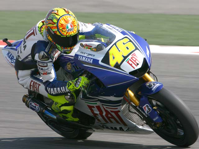 Valentino Rossi (Yamaha) domina en China. Pedrosa (Honda), segundo