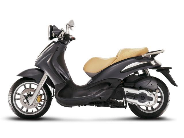 """Piaggio rebaja sus scooter """"rueda alta"""""""