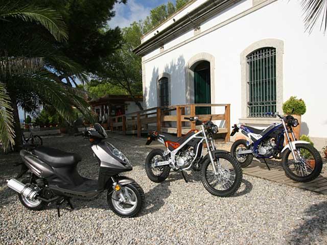 Rieju reduce su plantilla y producción de ciclomotores