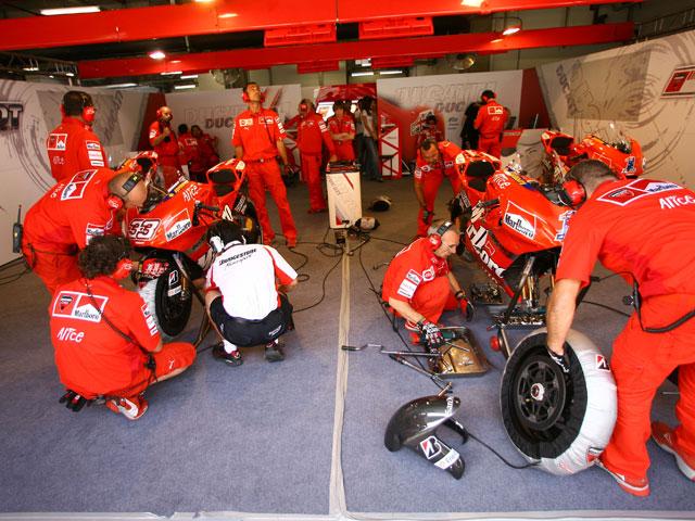 Ducati ya trabaja en la Desmosedici GP9