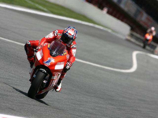 Casey Stoner (Ducati) se hace con la pole de MotoGP en Cataluña