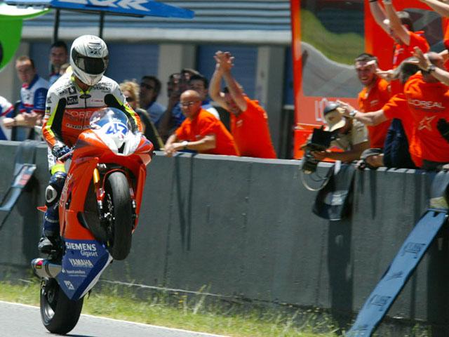 Rodríguez (Yamaha) arrasa en Supersport