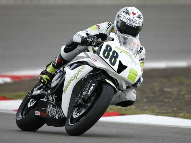 Pitt con Honda, primero en supersport. Mala suerte para Joan Lascorz