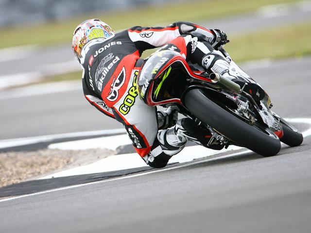 Pole para Simone Corsi (Aprilia) en el Gran Premio de Gran Bretaña