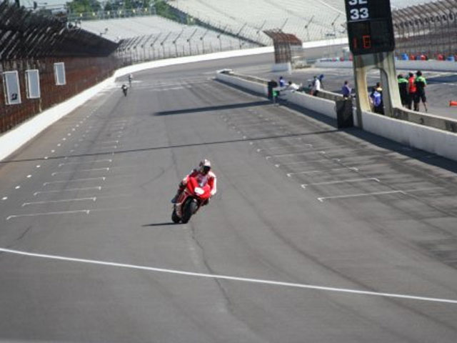 Histórico entrenamiento en el Indianapolis Motor Speedway