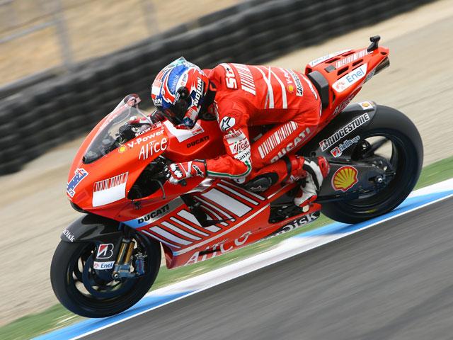 Casey Stoner (Ducati), pole y espectáculo