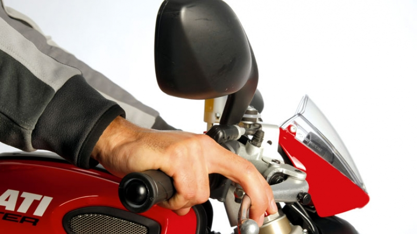 Mantenimiento moto: Pastillas de freno delantero